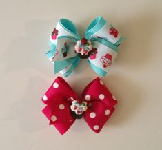 Cupcake Bows - Hip Girl Boutique Free Hair Bow Instructions--Learn how to make hairbows and hair clips, FREE! Making Hair Bows, Diy Hair Bows, Bow Hair Clips, Ribbon Bow Tutorial, Hair Bow Tutorial, Hair Ribbons, Ribbon Bows, Felt Bows, Bow Accessories