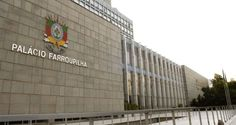 A Assembleia Legislativa do Rio Grande do Sul aprovou os dois projetos de lei encaminhados pelo gove...