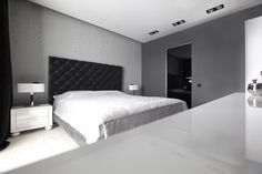 5 Ways to Pulling Periwinkle Into Black And White Bedroom