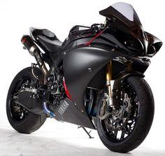 Yamaha R1, Black. Beautiful!!!!!!!!