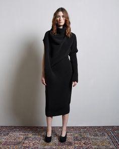 Acne Studios / Gala Rib Knit Dress Acne Studios / Betsan Curved Heel Pump #lagarconneatelier