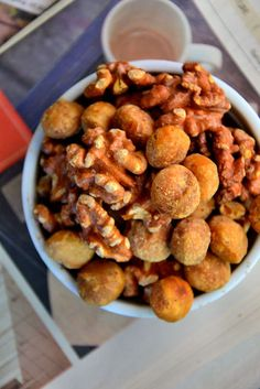 A Sweet, Healthy Treat for Fall: Maple Cinnamon Roasted Nuts #glutenfree