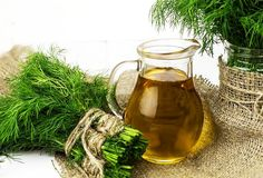 Vin de marar pentru tulburari hormonale si digestie Seitan, Tempeh, Alcoholic Drinks, Beer, Wine, Mugs, Tableware, Glass, Natural Remedies