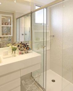 Banheiro maravideusoooooo que encontrei no Ig que amo do meu amigo Philipssss do @maisinteriores Quem gostou levanta a mão  SNAP: Decoredecor Projeto: Monise Rosa  ARCHITECTURE | INTERIORS | BATH