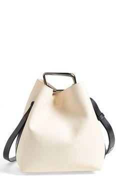 Minimal bucket bag