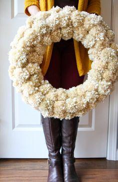 DIY: Beautiful PomPom Holiday Wreath