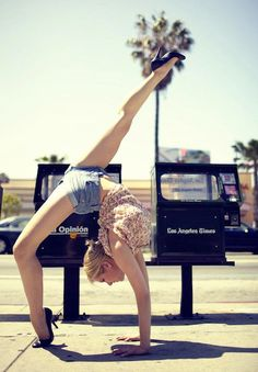 Incredible Photos of Ballet Dancers Poised on City Streets – Flavorwire
