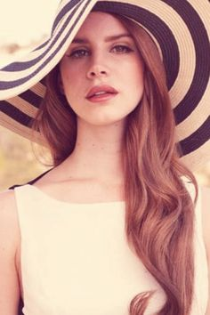 Oh Lana Del Rey, love the look.  Serious hat envy too.