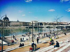 Que faire à Lyon en deux jours -Lyon City Crunch-  Find Super Cheap International Flights to France ✈✈✈ https://thedecisionmoment.com/cheap-flights-to-europe-france/
