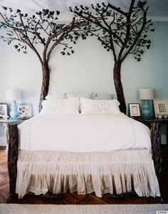 ★ Soulful White ★ Under the Tree Canopy Bed — More pictures: >> https://www.facebook.com/Stylisheve/posts/1008787729161808