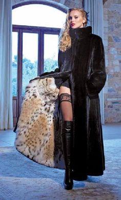 Nadire Atas on Luxury Fur Coats Fur Fashion, Winter Fashion, Fashion Outfits, Womens Fashion, Sexy Women, Women Wear, Thigh High Boots Heels, Fox Fur Coat, Fur Coats