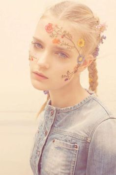 Floral face paint via Pull & Bear Spring 2011 Look Book Flower Makeup, Maquillage Halloween, Summer Of Love, Spring Summer, Face Art, Dried Flowers, Top Flowers, Paint Flowers, Meadow Flowers