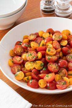 Tomato Side Dishes, Vegetable Side Dishes, Vegetable Recipes, Tasty Vegetarian Recipes, Paleo Recipes, Paleo Meals, Marinated Tomatoes, Roasted Cherry Tomatoes, Tomato Appetizers
