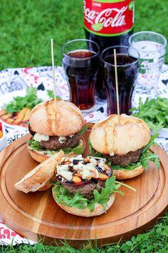 Burgery z brzoskwinią i gorgonzolą Salmon Burgers, Pizza, Cooking, Ethnic Recipes, Food, Kitchen, Essen, Meals, Yemek