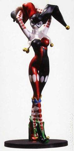 Mini Ame-Comi Harley Quinn PVC statue sculpted by Sam Greenwell.