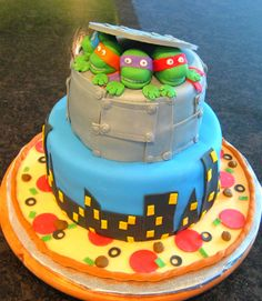 Devanys Designs: Teenage Mutant Ninja Turtle Cake