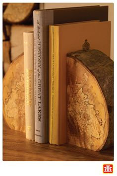 Looking for a quick and easy DIY to display your favourite books? These bookends created from tree logs are the perfect décor to add to your space