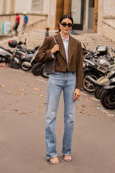 THE STREET VIBE: Brittany Xavier Simple Outfits, Summer Outfits, Minimal Fashion, Minimal Style, Weekend Style, Autumn Winter Fashion, Shirt Style, Women Wear, Cropped Blazer