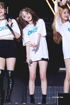 180616 United Cube Concert - One - South Korean Girls, Korean Girl Groups, These Girls, Cute Girls, Lee Sun, Korean Couple, Fandom, Cube Entertainment, Soyeon