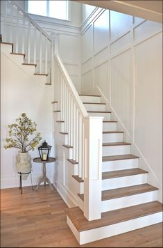 37 Ideas Top Of Stairs Landing Decor Banisters Stair Walls, Staircase Railings, Banisters, Staircase Design, Staircase Ideas, Wood Paneling Walls, Staircase Banister Ideas, Staircase Molding, Craftsman Staircase