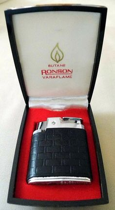Vintage Ronson Butane Varaflame Cigarette Lighter, Made in the USA.