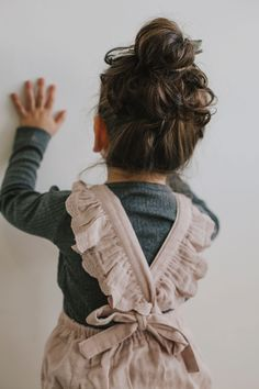 Neutral dress for girls Classic dress for girls Baby Buns Outfits Niños, Baby Outfits, Kids Outfits, Fashion Kids, Toddler Fashion, Spring Fashion, Neutral Dress, Neutral Style, Baby Buns