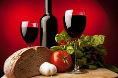 Téma Metabolismus a další související články - ČeskoZdravě. Red Wine, Alcoholic Drinks, Glass, Food, Author, Turmeric, Drinkware, Corning Glass, Essen