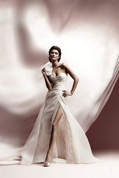 Wedding Party - http://weddingpartyblog.com/2012/09/03/monday-morning-trend-report-five-fall-wedding-dress-styles-we-love-lazaro-ball-gown-fall-fashion-2012-wedding-dress-trends-high-low-dress-white-wedding-dress-slit-wedding-dress-dress-with-high-slit-ex/