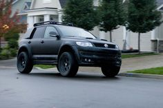 VW Touareg- with the blacked out rims
