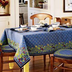 Really Rustic Kitchen Designs| Provence Tablecloth #williamssonoma | Serafini Amelia|