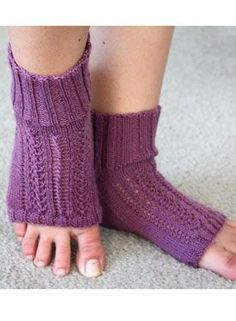 Horseshoe Pedi Sox - Knitting Patterns by Becky Bair