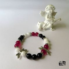 Ez a mályva színű jáde annyira szép, hogy még egy karkötőt kellett készítenem belőle. Ár: 2850 Ft . . . . #elizaminerals #minerals #ásvány #ásványékszer #ásványkarkötő #kreatív #ékszer #kézműves #egyedi #hungarianjewelry #medál #kézzelkészült #kezzelkeszult #madeinbudapest #madeinhungary #jade #jáde #onix #ónix #szitakötő #viseljmagyart Minerals, Beaded Bracelets, Jewelry, Bijoux, Jewlery, Jewels, Jewelery, Mineral, Jewerly