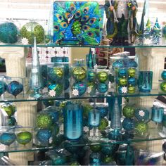 Hobby Lobby Peacock Christmas Ornaments ~ if only I lived near one! Peacock Christmas Decorations, Peacock Christmas Tree, Peacock Ornaments, Peacock Decor, Peacock Colors, Christmas Themes, Christmas Tree Ornaments, Christmas Holidays, Christmas Crafts