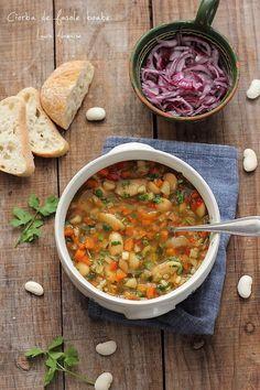 Ciorba de fasole boabe, reteta de post cu multe legume. Reteta mamei de ciorba de post cu fasole, preparare si ingrediente. Mozzarella, Soup Recipes, Supe, Curry, Cooking, Ethnic Recipes, Food, Salads, Health