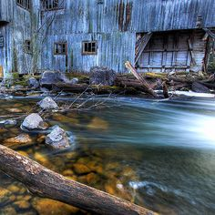 This old mill in Balaclava, Ontario: | 19 Terrifying But Gorgeous Abandoned Places In Canada