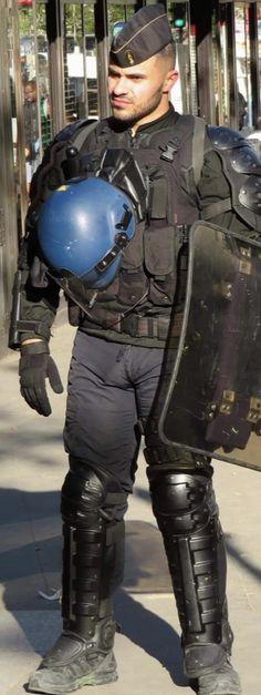 Cop Uniform, Men In Uniform, Vpl Men, Men In Tight Pants, Sexy Military Men, Sexy Tattooed Men, Lycra Men, Hot Cops, Sport Tights