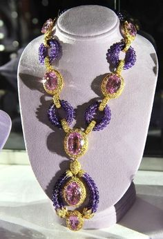"""A kunzite, amethyst, and diamond """"Triphanes"""" sautoir by Van Cleef & Arpels, circa 1973. Elizabeth Taylor collection, Christie's. perfect for her violet eyes."""
