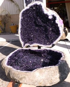 For referance purposes. An Amethyst geode. - Imgur