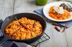Huevos al albañil Mexican Breakfast, Breakfast For Dinner, Breakfast Time, Breakfast Recipes, Mexican Food Recipes, Ethnic Recipes, Empanadas, Love Food, Macaroni And Cheese