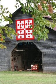 Grey barn with quilt design