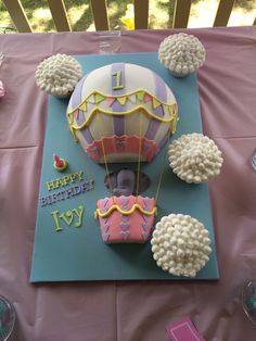 Hot air balloon cake for a 1st birthday