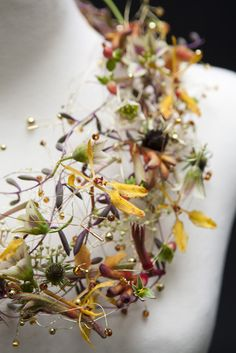 Detail: Necklace made from fresh flowers, wire and beads by Petra Konrad (Florist in Germany) #faerie