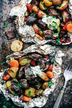 Butter Garlic Herb Steak Foil Packets ~ this would be good for camping