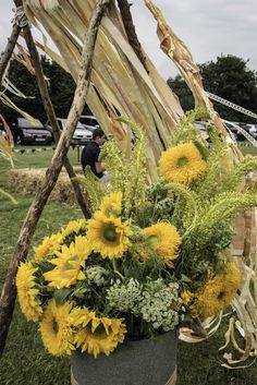 #altar #ribbons #sunflowers #festivalwedding #wedding #bozfest