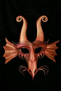 Dragon Leather Mask by CuriousAlchemy on Etsy. This reminds me of the evil mask that was in the costume shop. Dragon Occidental, Dragons, Costume Venitien, Dragon Mask, Red Dragon, Dragon Costume, Modelos 3d, Beautiful Mask, Leather Mask