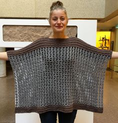 This poncho is made from TWO RECTANGLES stitched together, leaving room for the head / neck.This poncho consists of spaces, dc stitches and hdc worked in back loops. Boho Crochet, Knit Crochet, Easy Crochet Shawl, Crochet Edgings, Freeform Crochet, Crochet Tops, Crochet Cardigan, Crochet Motif, Free Crochet