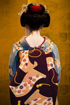 Geisha Japan, Geisha Art, Kyoto Japan, Japan Japan, Okinawa Japan, Japanese Prints, Japanese Kimono, Japanese Beauty, Japanese Fashion