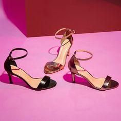 22992e8aae Todo mundo precisa de uma sandália fina e metalizada para ocasiões  especiais. Já consagrado nas