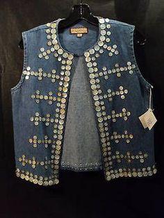 """Double D Ranchwear """"Tlingit"""" D Diy Jeans, Gilet Jeans, Jean Diy, Diy Clothes, Clothes For Women, Teacher Clothes, Denim Vests, Diy Kleidung, Diy Mode"""