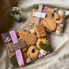 Cookie Packaging, Food Packaging Design, Real Food Recipes, Dessert Recipes, Desserts, Japanese Cookies, Icebox Cookies, Cute Cafe, Birthday Boy Shirts